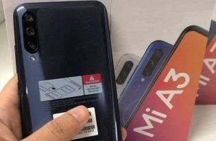 Фото Xiaomi Mi A3 и его упаковки